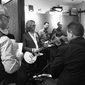 Warmin' up in the cage before the show at the Opry